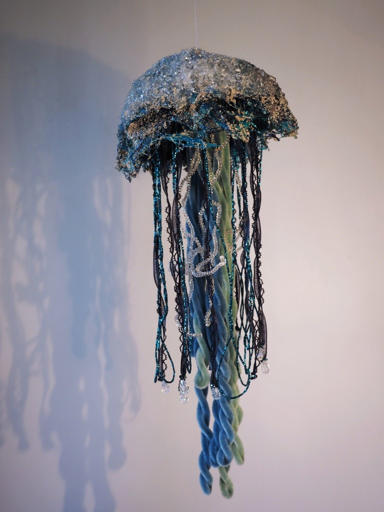 Laëtitia-Ambroselli-Meduse-BAT-Bleue