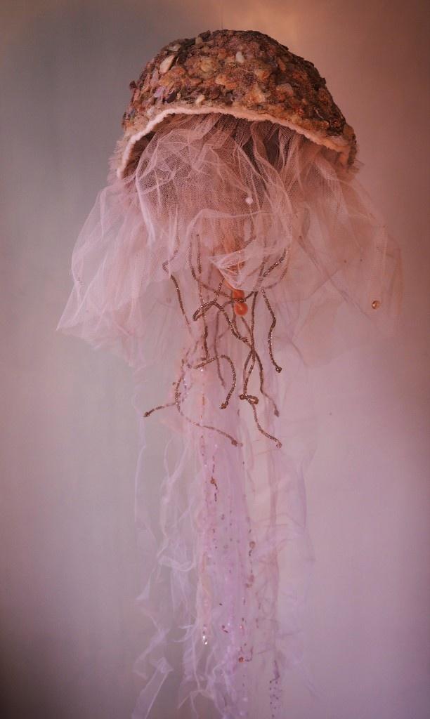 Laëtitia-Ambroselli-Meduse-nacréé
